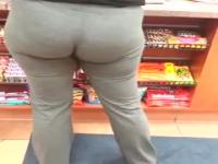 WOULD LOVE TO POUND THAT FROM THE BACK!!!!