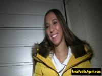 Euro Girlnextdoor gefickt von einem fremden in der Öffentlichkeit