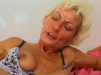 Older sex in shitter