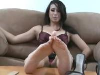 Hot! Latin Chick Foot Tease