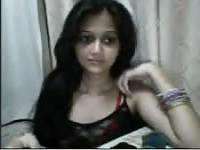 Indian sweet lady trying her new webcam