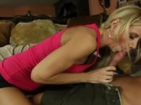 Mom is acting in cock sucking sex video