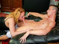 Nasty tranny Jennifer Tigre loves Maurizio's dick
