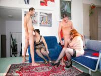 Matures échangistes partie avec deux grosses femmes