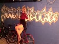 girl Crosdresser Tgirl in Pantyhose Shows Legs and Feet