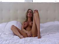 Gym cougar brandi has a great orgasm