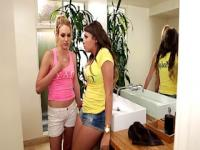 Lesbians cassidy and keira fuck in the bathroom