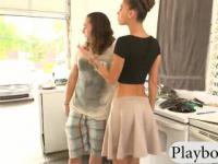 Zwei Frauen blitzte ihre super Titten für gutes Geld