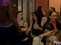 Wild ficken allover die Nacht club jeder natty nass Gruppen-Sex