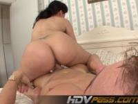 Brunette Babe Ava Rose Big Ass Facesitting
