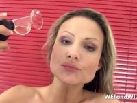 Blonde Babe Naomi Gets Kinky