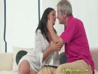 Brunette Denise Wants Old Gramps