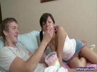 Olivia Teen aime les bonbons et BF Big Dick