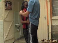 Versaute Ebony Babe mit großen Titten wird gefickt in diesem heißen Amateur-video