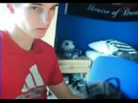 Cute French guy jacks on cam