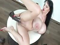 Monster boobs porn star dazzles with dildo