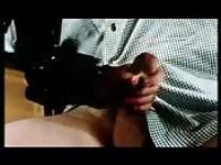 Es el golpe del partido como ella utiliza su mano y el coño a placer