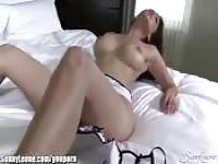 Objeto de burlas por una puta sexy
