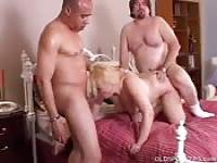 Mature Spaniard MILF with two men