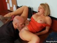 Supreme buxomy MILF Krissy Lynn featuring blowjob video