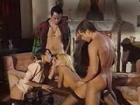 Dalila und Anita Blond in Gruppen Sex Orgie