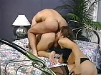 Andrea ist zwei Männer Arschlöcher lecken