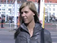Ilona nimmt Bargeld für ParkplatzSex