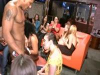 Geile Girls betrunken Vermietung lose auf einer Party