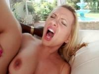 Sex addict mom fucking black giant pecker in her wet pussy