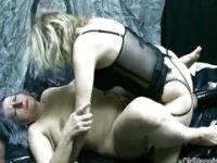 Mature slut goes crazy getting fucked