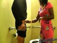 BLACK AMATEURS FUCK AT CITY TOILET !!