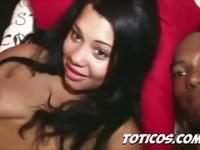 Dominican chicas earning dem pesos - Toticos.com dominican
