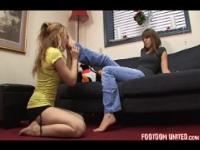 Tessa foot massage - Gorgeous girls