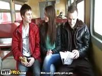 Russian amateur threesome
