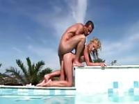 Anal sex in the swimming pool