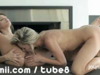Intense lesbian sex keeps orgasms cumming