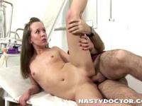 Old gynecologist perverting young hot girl