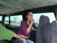 Dick sucking amateur babe sexe autobus topless