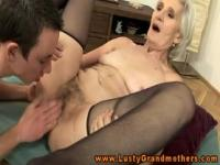 Old granny pussylicked afer sucking cock