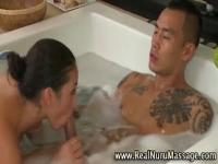 Masseuse babe bathtime blowjob