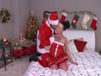 Alicia gives her man a kinky xmas creampie
