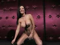 Jayden James Very Hot Body has a Nice Orgasm on Sybian