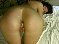 Amateur brunette with a hot ass gets penetrated on home video