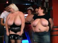 Huge boobs bbw have fun in the bar