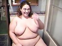 Fat Chick Peeing Pissing