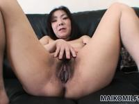 Naughty japanese housewife bares her chubby body for the camera