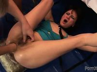 Profecient prostitute Chelsea is showing her great anal resilience
