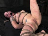 Frogtied gagged sub gets toyed