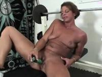 Fitness MILF Toy Fucking Power Snatch
