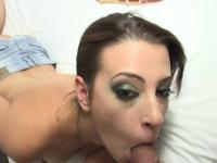 Horny cock lover Latina bombshell Yarissa Duran sucks and